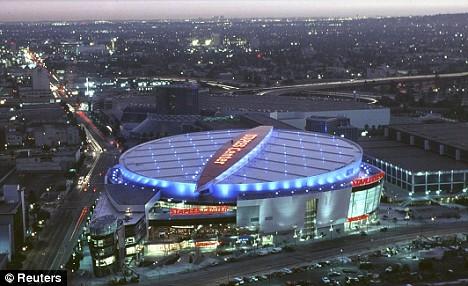 Staples Center, o estádio onde os fãs poderão dar o último adeus a Michael Jackson