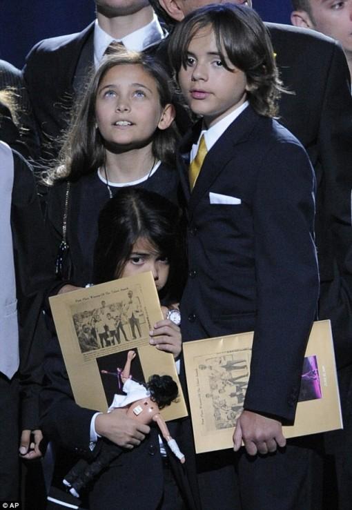Filhos de Michael Jackson (Paris, Prince e Prince II)